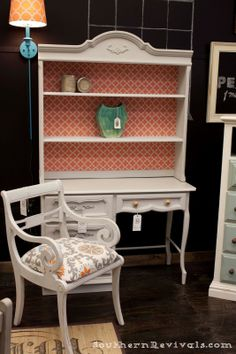 Silver mink from maison Blanche paint with coral accents