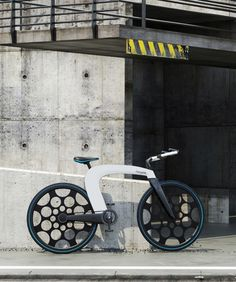 Hier sehen wir mal wieder eine ausgefallene Fahrraddesignstudie. Das nCycle sieht nicht nur cool aus, es hat auch alles dabei, was man so brauchen kann. Und wahlweise auch einen elektrischen Antrieb. Praktischerweise kann man es in der Mitte zusammenklappe