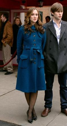 Leighton Meester and Chace Crawford in Gossip Girl Gossip Girl Blair, Gossip Girls, Estilo Gossip Girl, Blair Waldorf Gossip Girl, Gossip Girl Outfits, Gossip Girl Seasons, Gossip Girl Fashion, Estilo Blair Waldorf, Blair Waldorf Outfits