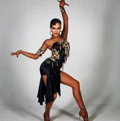 Veronika Dincher's photos Dance Photo Shoot, Dance Photos, Dance Pictures, Tango, Dance Workout Videos, Dance Photography Poses, Baile Latino, Latin Ballroom Dresses, Dance Costumes