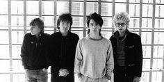 Nell'immagine di testata: gli U2 in Olanda nell'ottobre 1980 | Photo By:©Lex van Rossen/MAI/Redferns | VIA: U2Start.com Come ricorda Larry Mullen Jr. nella biografia della band U2byU2:…