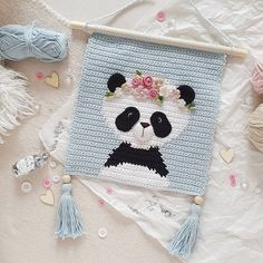 Crochet Panda, Crochet Wall Art, Crochet Wall Hangings, Crochet Diy, Tapestry Crochet, Crochet Basics, Crochet For Kids, Crochet Crafts, Crochet Projects