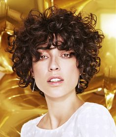 Long pixie hairstyles are a beautiful way to wear short hair. Here we share the best hair styles and how these styles work. Curly Hair Styles, Curly Bangs, Curly Hair Cuts, Wavy Hair, Curly Pixie Hair, Short Curly Cuts, Short Curly Haircuts, Short Perm, Medium Brown Hair