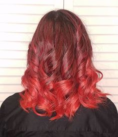 Natural red hair is breathtaking. It is a color that can't be replicated and makes short hair look stunning and unique. Although some of us aren't bor... Natural Red Hair, Natural Looks, Short Red Hair, Short Hair Styles, Hair A, Your Hair, Pelo Multicolor, Red Hairstyles, Sleek Bob