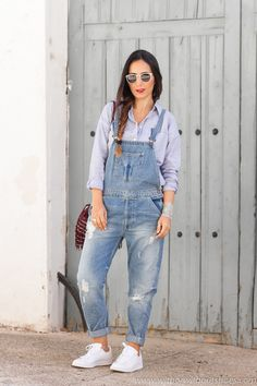 Looks con over Dungarees Outfits, Jumpsuit Outfit, Denim Overalls, Dope Outfits, Classy Outfits, Casual Outfits, Fashion Outfits, Street Fashion Photoshoot, Stan Smith Outfit