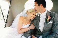Carruagem para os noivos. #casamento #transporte #carrodosnoivos #carruagem #charrete