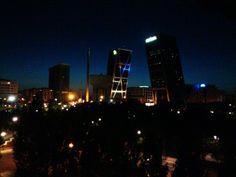 Plaza Castilla al anochecer