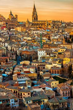 Spain Travel Inspiration - Sunset in Toledo, Spain. Photo by Adamjasonmoore. Toledo is a city located in central Spain, 70 km south of Madrid. It is the capital of the province of Toledo and the autonomous community of Castile–La Mancha Cool Places To Visit, Places To Travel, The Places Youll Go, Places To Go, Madrid, Magic Places, Toledo Spain, Voyage Europe, Spain And Portugal
