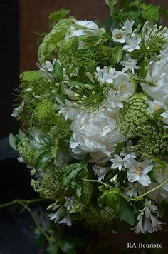 Bride's bouquet mix with spots of yellow All Flowers, Green Flowers, Beautiful Flowers, Wedding Flowers, Beautiful Flower Arrangements, Floral Arrangements, Bloom Where Youre Planted, Flora Design, Floral Photography