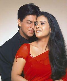 Shahrukh khan & Kajol best off screen moments (Love is friendship) Bollywood Stars, Bollywood Images, Bollywood Couples, Vintage Bollywood, Shahrukh Khan And Kajol, Shah Rukh Khan Movies, Indian Actresses, Actors & Actresses, Arnav And Khushi