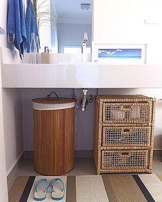 """341 curtidas, 9 comentários - Fernanda Pontelo (@fepontelo) no Instagram: """"My bath style 🚿💙 #bomdia #goodmorning #home #design #beachstyle #bathroom #decor #interiors #design…"""""""