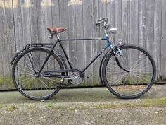 Run And Ride, Tweed Run, Vintage Bicycles, Wheeling, Antique Bicycles, Veil, Childhood Memories, Bicycle, German