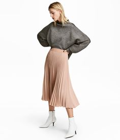 Check this out! Knee-length skirt in double layers of soft tulle with a grosgrain waistband. Concealed zip at back. Jersey lining. - Visit hm.com to see more.
