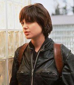 Znalezione obrazy dla zapytania angelina jolie short hair angelina jolie short hair szukaj w google urmus Image collections