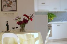 Apartment rentals in Florence, Find great deals with Cities Reference Florence Apartment, Next Holiday, Italy Vacation, Florence Italy, Rental Apartments, Wifi, Table Decorations, Bedroom