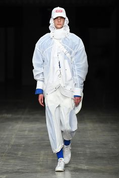 ANGEL CHEN Fall/Winter 2018 - Fucking Young!