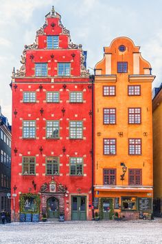 In search of christmas spirit? Look no further! Book yourself a private Christmas walking tour of Stockholm's Old Town.