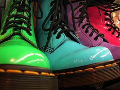 OMG I want the blue ones Doc Martens Photo Credit: joannabethpdotOwning a pair of REAL Doc Martens would thrust you into epic-awesomeness in the 90s. The chunkier, the better –…