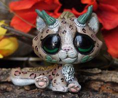 Littlest Pet Shop baby Leopard Dragon Forest Spirit OOAK custom figure LPS chibi Lps Drawings, Animal Drawings, Little Pet Shop, Little Pets, Baby Leopard, Snow Leopard, Custom Lps, Lps Accessories, Lps Pets