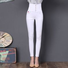 6745ca8b624 8 Best women s jeans images