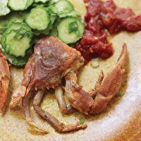 Garlic and Black Pepper Soft-Shell Crabs by Andrea Reusing