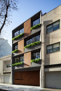 429 Foz Housing / dEMM Arquitectura Completed in 2018 in Porto Portugal. Images by José Campos Photography. Foz Housing is a residential building with 4 apartments distributed over 5 floors. Located in the area of Porto Foz do Douro it has East / West. Architecture Design, Minimalist Architecture, Residential Architecture, Contemporary Architecture, Design Exterior, Facade Design, Building Facade, Building Design, Building Exterior