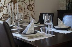 Black and white Teema (Iittala) table setting