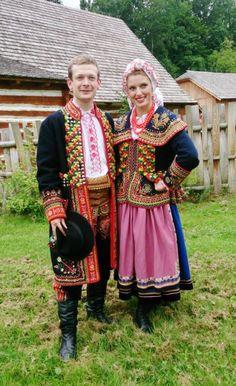 Costume of the Lachy part 2 Podegrodzie Women, Malopolska, Poland Polish Clothing, Folk Clothing, Folk Fashion, Ethnic Fashion, Polish Embroidery, Merry Widow, Polish Folk Art, Costumes Around The World, Art Populaire