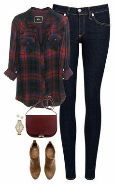Este outfit es cómodo, casual y lindo. Quedaría perfecto con un peinado 'messy bun' (chongo despeinado) y un lipstick rosa.