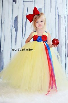 Super cute costumes you can make your kids out of tulle. Really like this Snow White!