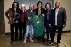 Tom Petty and the Heartbreakers rocked Matthew Knight Arena on Aug. 7, 2014 #GoDucks