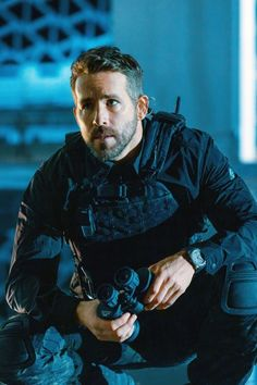 Ryan Reynolds Deadpool, Ryan Reynolds Movies, Actors Male, Cyberpunk Character, Ben Hardy, Man Thing Marvel, Hollywood Actor, Fine Men, Good Looking Men