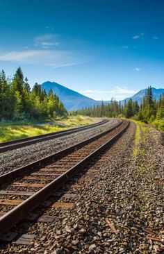 # Màríyà khàñ Railroad Tracks, Mountains, Wallpaper, Nature, Travel, Naturaleza, Trips, Wallpapers, Traveling