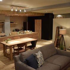 Japanese Home Design, Traditional Japanese House, Japanese Interior, Casa Muji, Muji Home, Minimalist Interior, Living Room Kitchen, Room Interior, Decoration