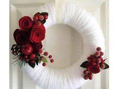 Aprende a crear estas lindas coronas navideñas totalmente fáciles y rápidas de hacer. Son especiales para aquellos que no son expertos en m...