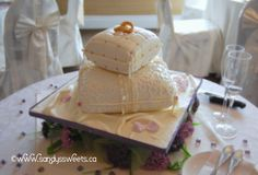 Wedding Cake Close Up.How many details can you identify? Butter Dish, Wedding Cakes, Sweets, Dishes, Canning, Desserts, Food, Wedding Gown Cakes, Tailgate Desserts