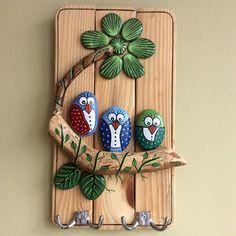 Kuşlu anahtar askısı #taş #taşboyama #stone #stonepainting #yağlıboya #ahşap #ahsapboyama #birds #wood #woodworking #kuşlar #hangingkeys #anahtaraskısı