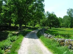 Somewhere in Sweden - Swedish summer Summer Feeling, Summer Vibes, Places Around The World, Around The Worlds, Country Life, Country Roads, House In Nature, Sweden Travel, Nature Photos