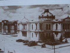 Rectoría de la Universidad de Guadalajara, 1915. Al fondo se ven avances de la construcción del templo expiatorio. Guadalajara Jalisco.