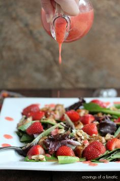 (Canada) Chicken and Strawberry Salad with Strawberry Dressing & Walnuts #flavorsofsummer