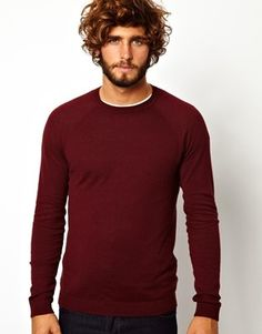 €29, Dunkelroter Pullover mit Rundhalsausschnitt von Asos. Online-Shop: Asos. Klicken Sie hier für mehr Informationen: https://lookastic.com/men/shop_items/114641/redirect