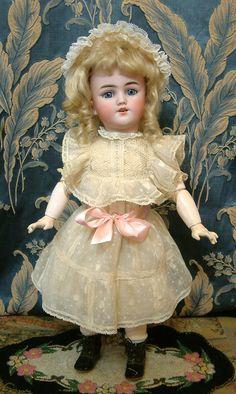 Simon & Halbig Dolls (1839-1943) —   17 1/2''  Santa for Hamberger  (598×1000)