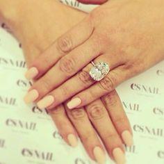 Kim Kardashian's 15 ct. engagement ring #apbling.