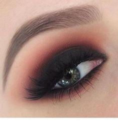 Nails & Makeup Make-up Ideen Smokey Eye Black Eyeshadow Tutorials Ideen What You Sh Cute Eye Makeup, Eye Makeup Steps, Makeup For Brown Eyes, Gorgeous Makeup, Beauty Makeup, Prom Makeup, Dark Makeup, Black Smokey Eye Makeup, Dark Smokey Eye