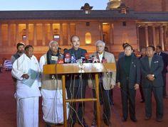 Congress plea on Arunachal to go before Constitution Bench - http://headlinesview.com/congress-plea-on-arunachal-to-go-before-constitution-bench/