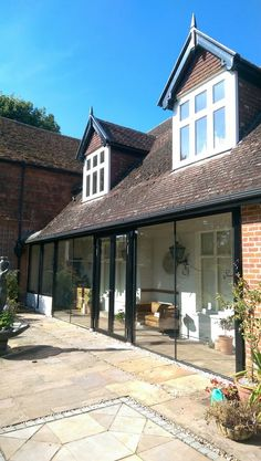 Beautiful project in Oxford showcasing #frameless glazing and #schuco doors