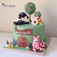 Shaun the sheep inspired birthday cake by Cakemesweet di Naike Lanza Www.cakemesweet.com