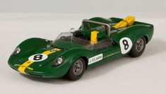 Lotus Type 40, Brands Hatch 1965, Jim Clark in 1/43 - beautiful sixties racer from Spark
