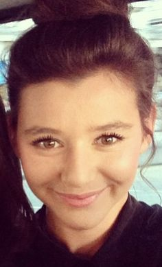 This girl is the definition of flawless #eleanorcalder