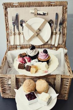 Afternoon Tea in the Park with a hired Hamper from Bea's <3